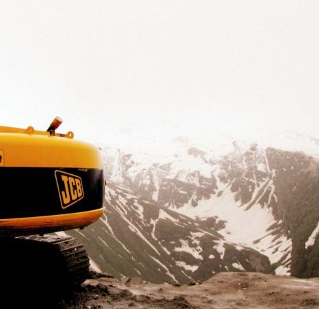Between sludge and the valley - Rohtang, India.