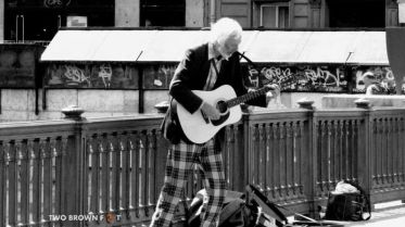 Old-Man Guitar - Paris, France.