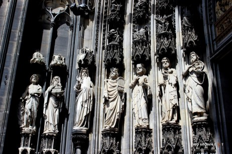 Intricately carved statues on the external façade of the cathedral.